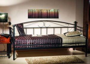 Кровати: материалы, типы, формы, производители