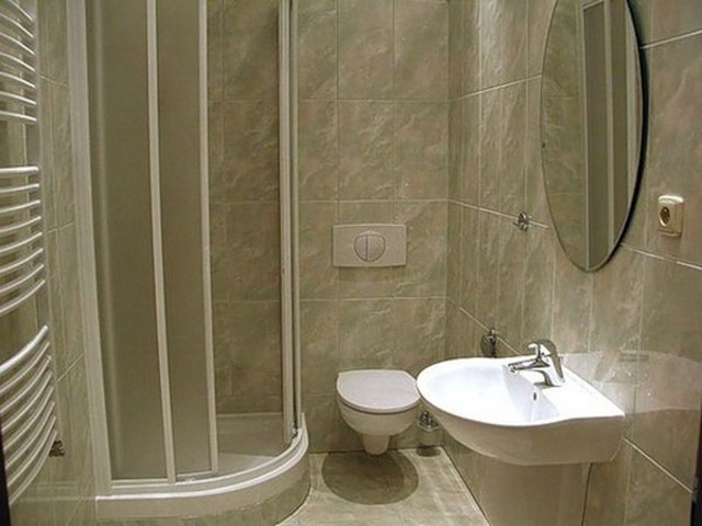 Особенности дизайна интерьера маленькой ванной