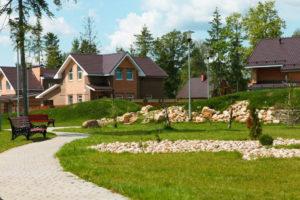 Преимущества жизни в собственном загородном доме