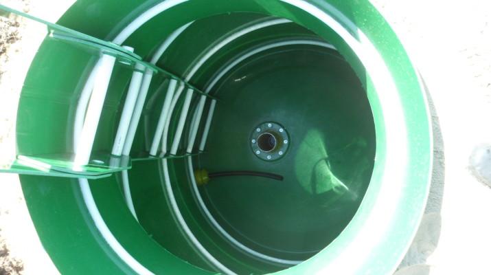 Установка пластиковых кессон-колодцев