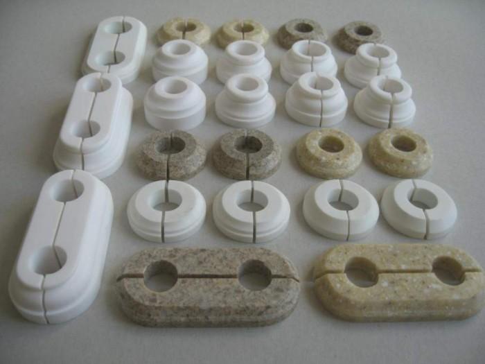 Комплектующие для монтажа — гофра для труб отопления, плинтус, обвод, розетки, подмотка, бандаж